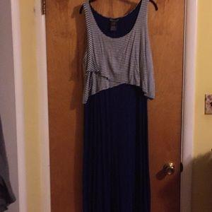 Maxi dress NWT large